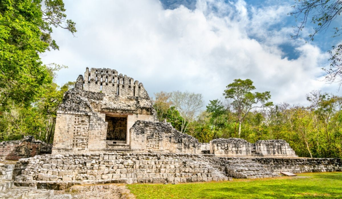 Chicanna ruins