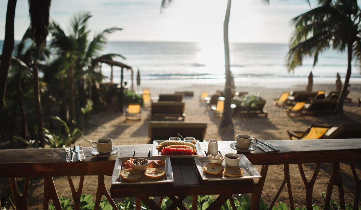Breakfast on beach